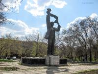 Скульптура «Машиностроитель». 2009 год