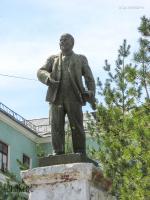 Памятник В.И. Ленину у школы № 2. 2009 год