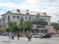 Здание Дворца культуры нефтехимиков. 2009 год