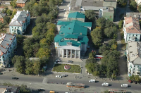 Здание Дворца культуры нефтехимиков